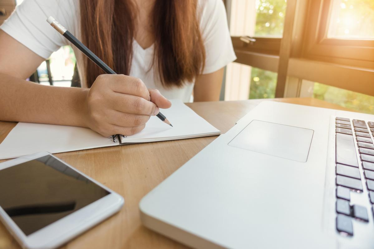 Academic Writing Task 2 - Advantage & Disadvantage Essays